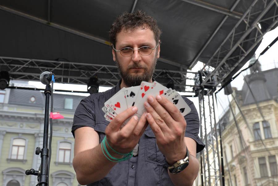 Kouzelník Pavel Soukup s kartami