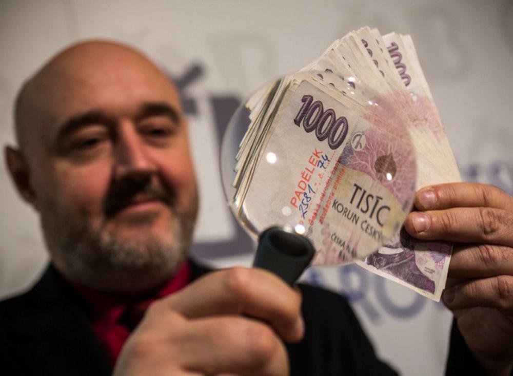 Padělek bankovky kouzelník