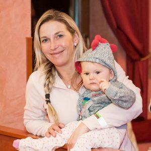 Maminka s miminkem na kouzelníkovi