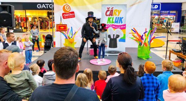 Kouzelník pro děti Čáry Kluk v nákupním centru Géčko