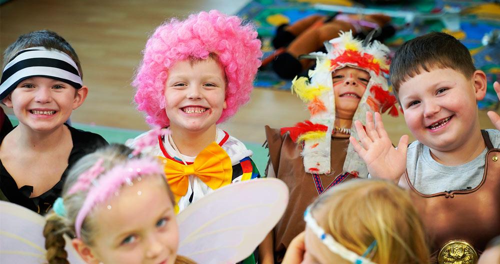 Kouzelník pro děti Karneval Čáry Kluk